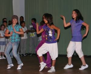 files/angebote/kinder/Dance4Kids_2010.jpg
